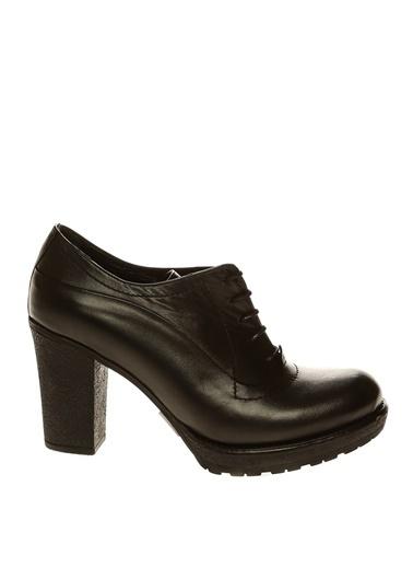 İnci İnci Deri Bağcıklı   Topuklu Ayakkabı Siyah